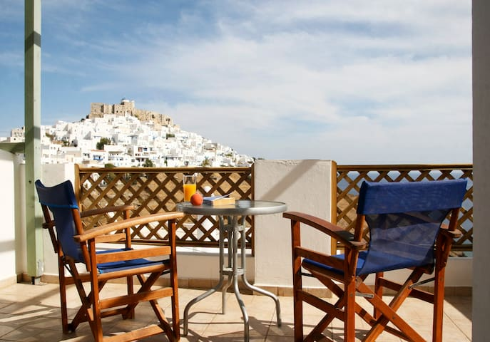 Comfortable Room in Chora with Spectacular View