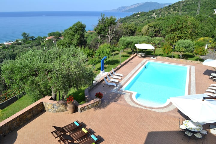 Sparkling 5 bedroom Villa in Villammare (Q6239)