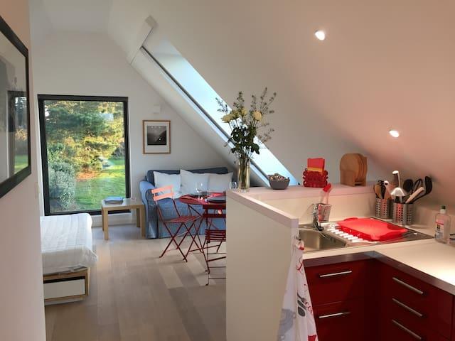 Studio design dans une propriété d'un hectare - Locmaria - Appartement