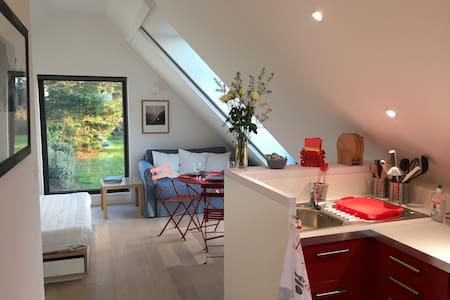 Studio design dans une propriété d'un hectare - Locmaria - Pis