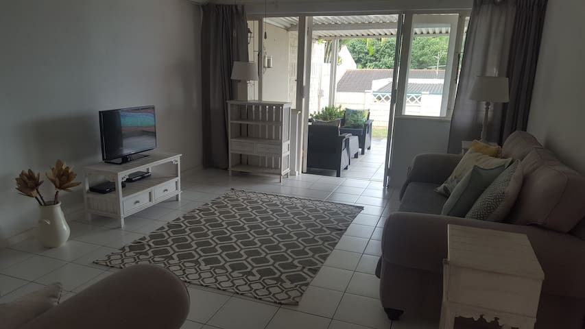 Home From Home - Durban North - Appartement