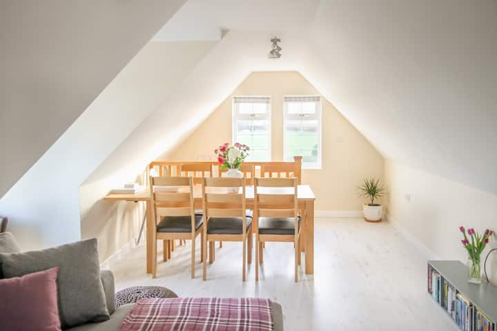 Spire View - A Countryside Retreat near Lacock
