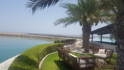 Beautiful & Peaceful - Lush Golf and Ocean Views