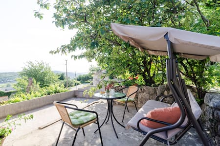 Apartment Mijanka- One-Bedroom with Terrace - Uskoplje - อพาร์ทเมนท์