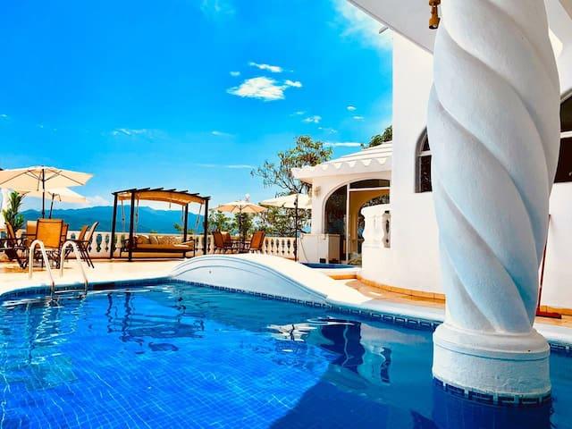 Casa en la mejor zona hotelera de Manzanillo HB19