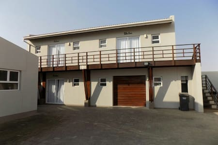 CAPE POINT SELF CATERING UPSTAIRS APARTMENT1