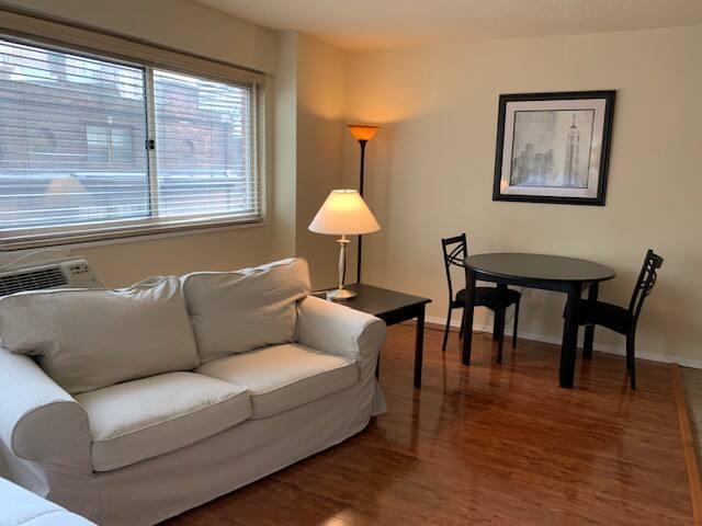 Rittenhouse apartment, wood floors, great light!