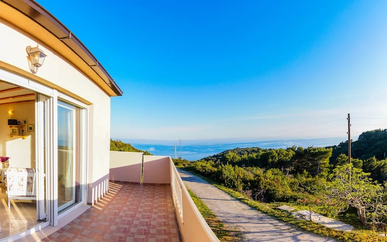 Sunny Villa Luana in Stiniva Bay
