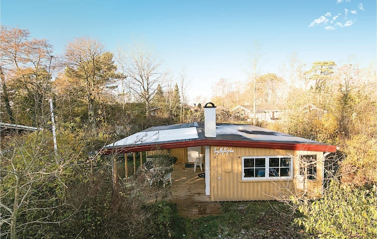 Holiday cottage with 3 bedrooms on 47m² in Nexø