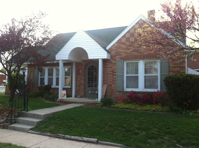 Warm, friendly home. - Effingham - Talo