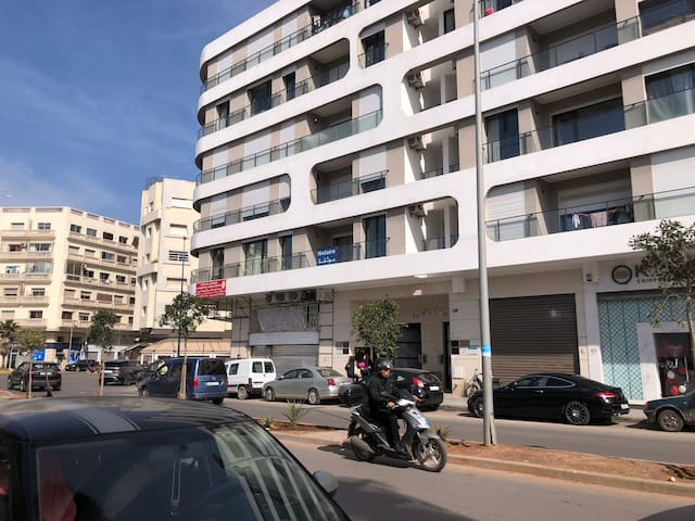 Bel appartement Casablanca dans résidence neuve