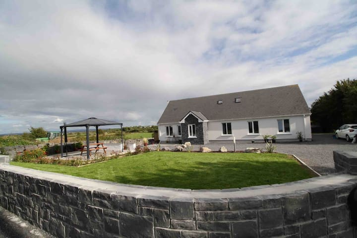 Luxury Atlantic Retreat Lodge Kinvara near bay