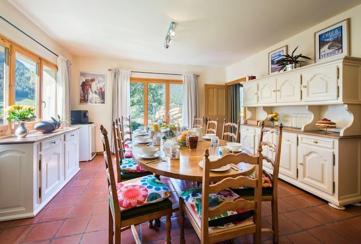 Les Rires au Chalet - sleeps 12 close to Verbier - Vollèges - Haus