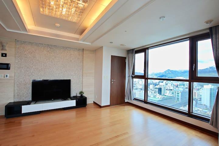 Myeongdong Walk {high floor}
