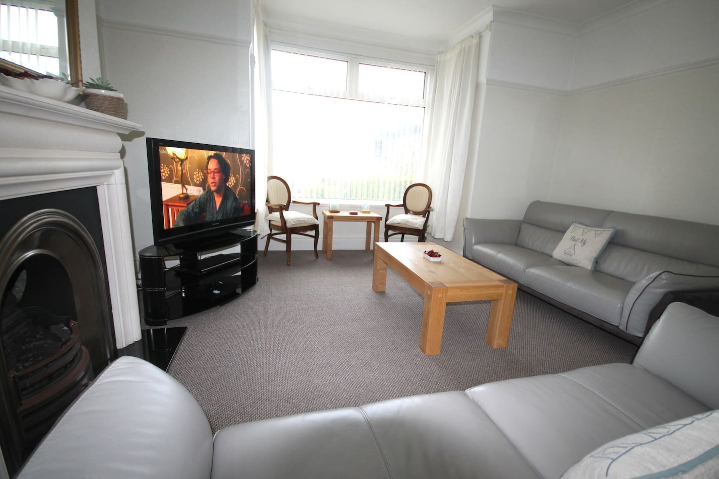 1 bedroom accommodation, full use of ground floor, very private, 1st floor not in use when ground floor booked