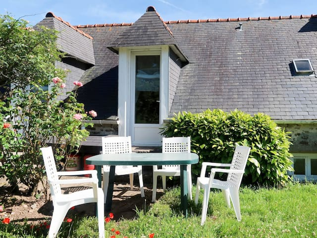 House in Plozevet for 4 persons