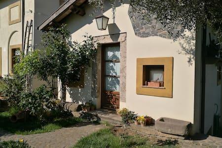 La Casina delle Rose - Rome Countryside - Grottaferrata - Erillinen asuinyksikkö