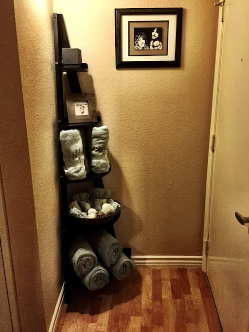 Clean towels and wash cloths (landing upstairs)