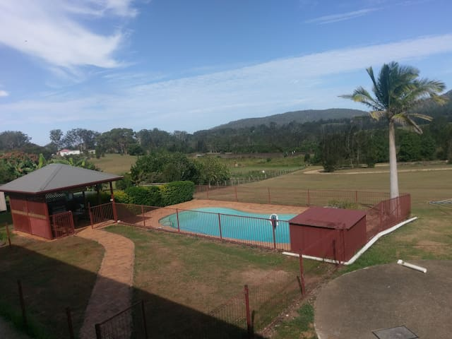 Country Rural Atmosphere 5mins CBD - Antique Room - Macksville
