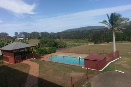 Country Rural Atmosphere 5mins CBD - Antique Room - Macksville - Talo