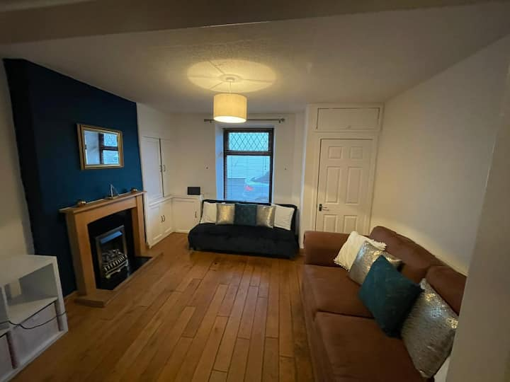 Recently renovated house for small contractor groups or couples by Pendleton properties