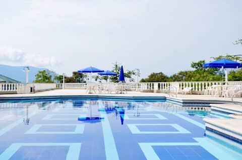 Hab Hotel, piscina, jacuzzi y desayuno