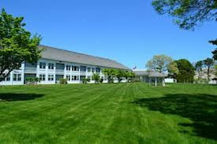 Courtyard Resort Studio Hyannis Mass - Barnstable