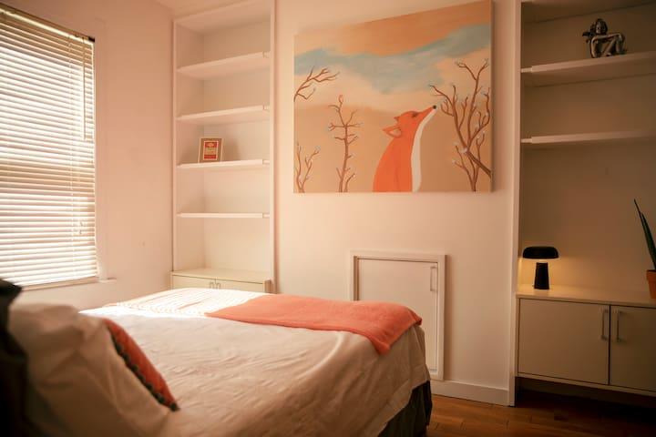 Bright double room in Brighton, near Kemptown
