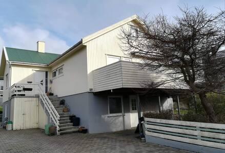 Hyggelig lejlighed tæt på centrum i Torshavn