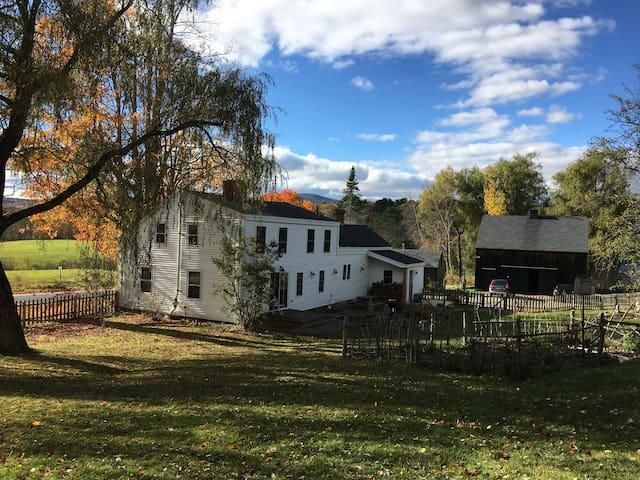 1820's Fully Restored Farmhouse - 卡姆登 - 獨棟