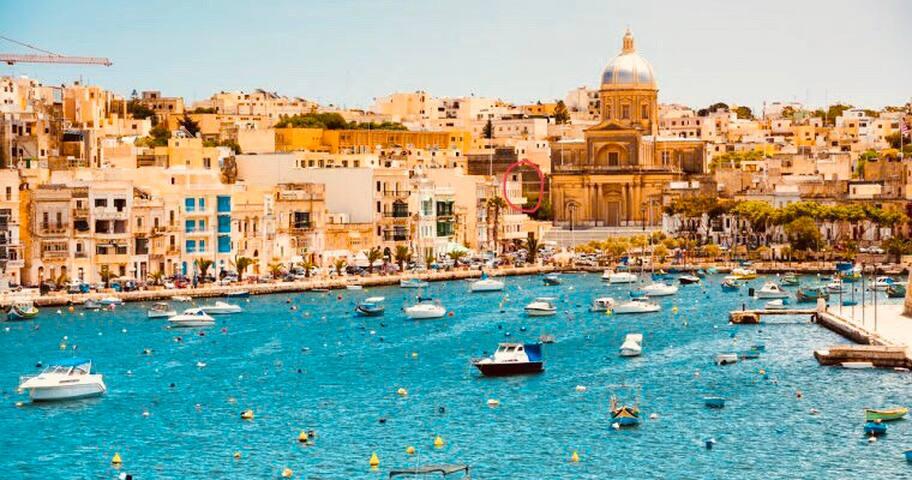 ☆Jean's Seafront Apt   opposite Valletta☆