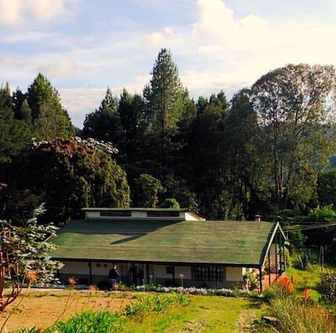 Habitación en Casa Verde. Santa Elena - Medellín