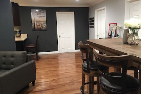Spacious Modern 1 Bedroom near dowtown - Los Angeles - Huis