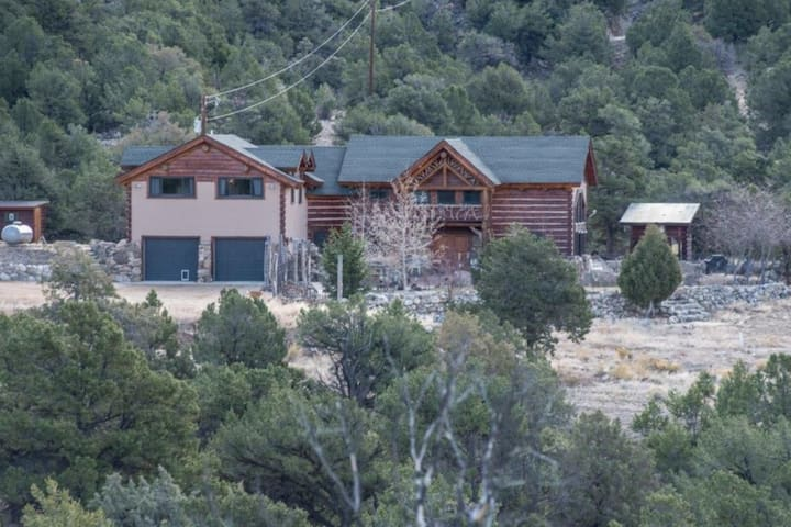 Buena Vista mountain beauty - 6 acres of views