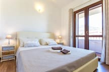 Villa Giorgia  Sardinia 10 sleeps Wifi Pool