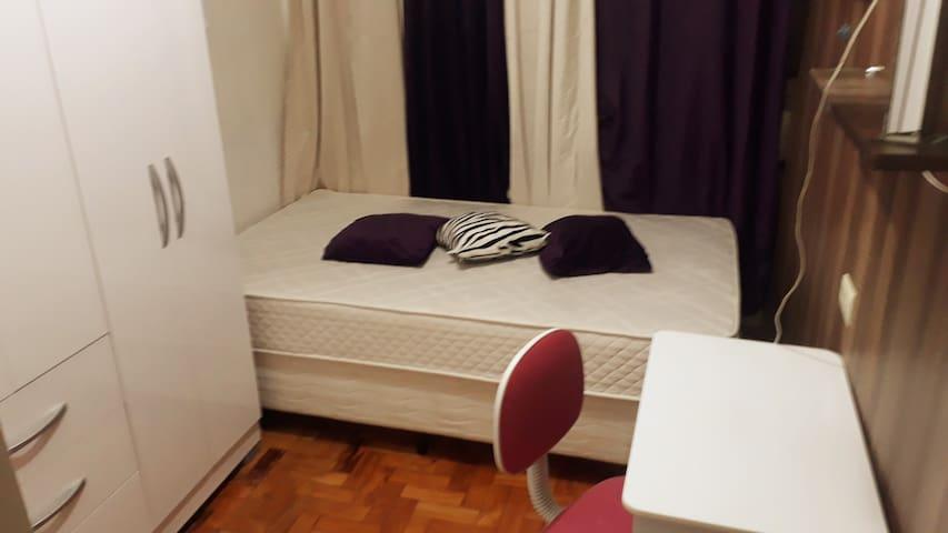 Somente mulheres quarto1  PAULISTA/Sesc/Brigadeiro