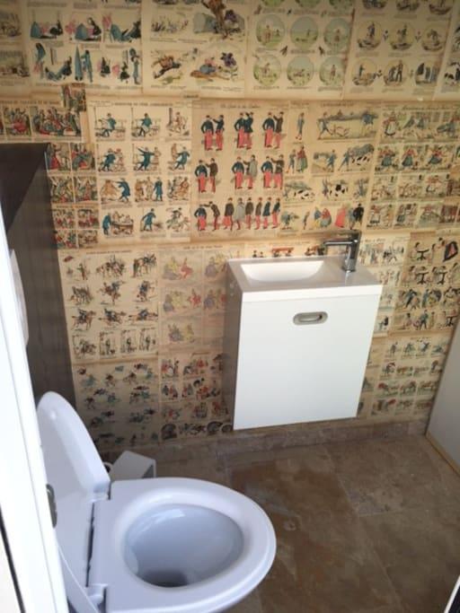 Toilettes (vue mer)