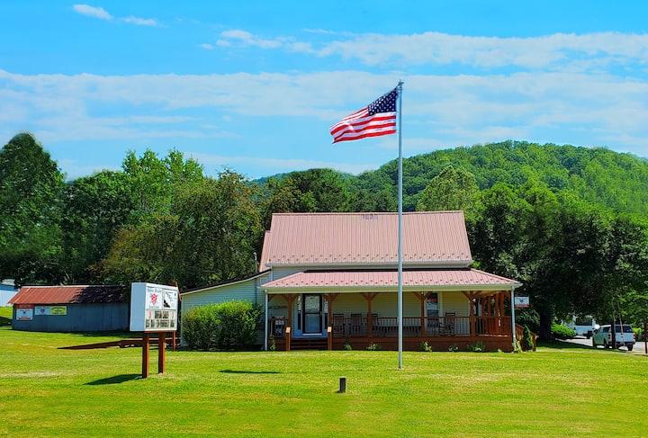 Appalachian Trail Town Inn (ATTI) Your Private Inn