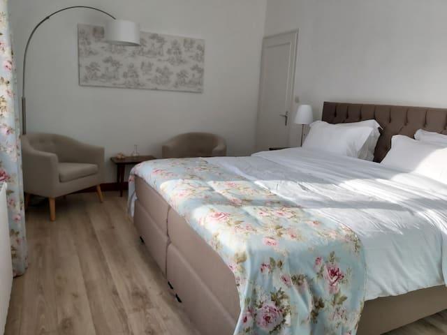 Luxe Chambres d'Hôtes in Bourg de Visa, Tissendie.