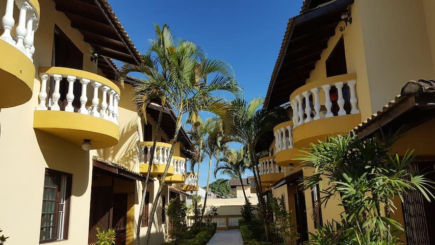 Linda casa em vila- perfeita para férias na praia!