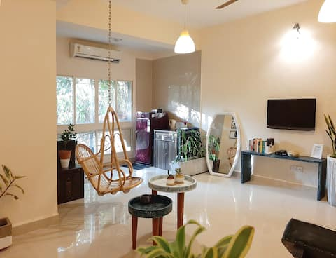 The Fern: Artsy 1BHK | close to the beach|Fully AC