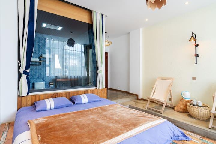 蓝调洱海民宿温馨榻榻米大床房