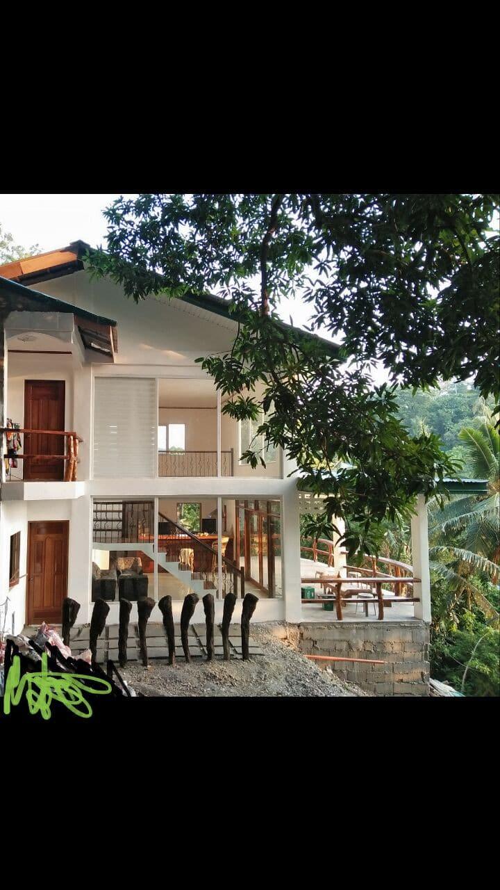 Palangan Hilltop Guest House - Tropical Retreat