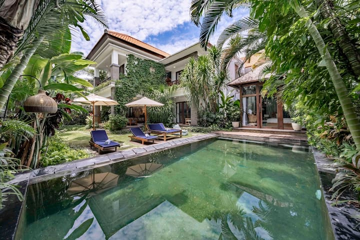 Villa Kubu · Luxury Seminyak Private Mansion - Next to W Hotel