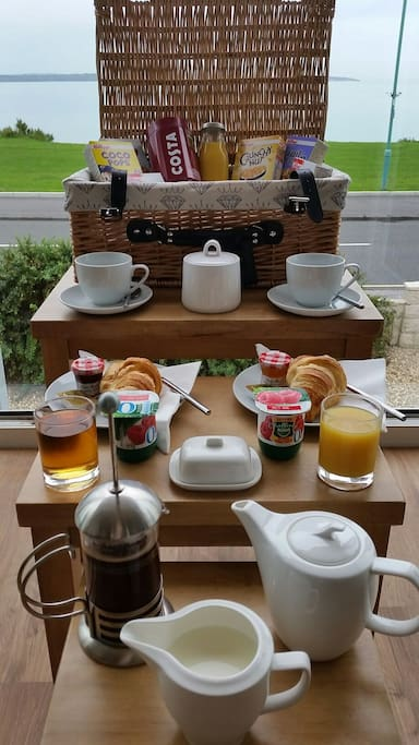 Breakfast hamper available on request £2.50 pp