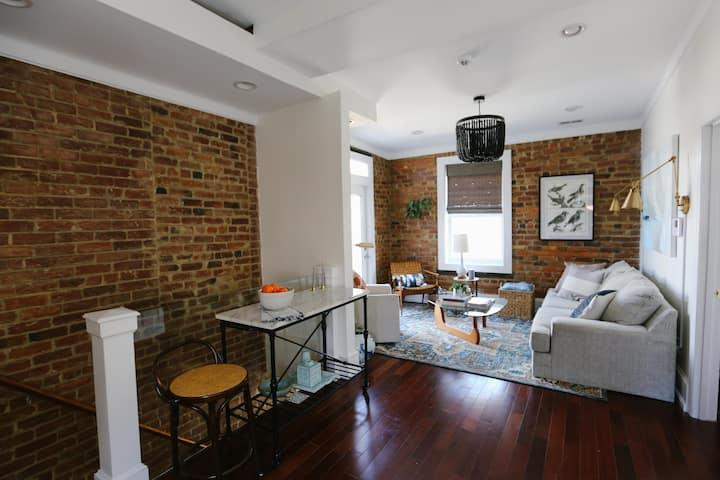 Designer Apartment in Historic Neighborhood