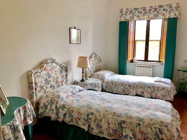Bedroom 3 Le Carrozze