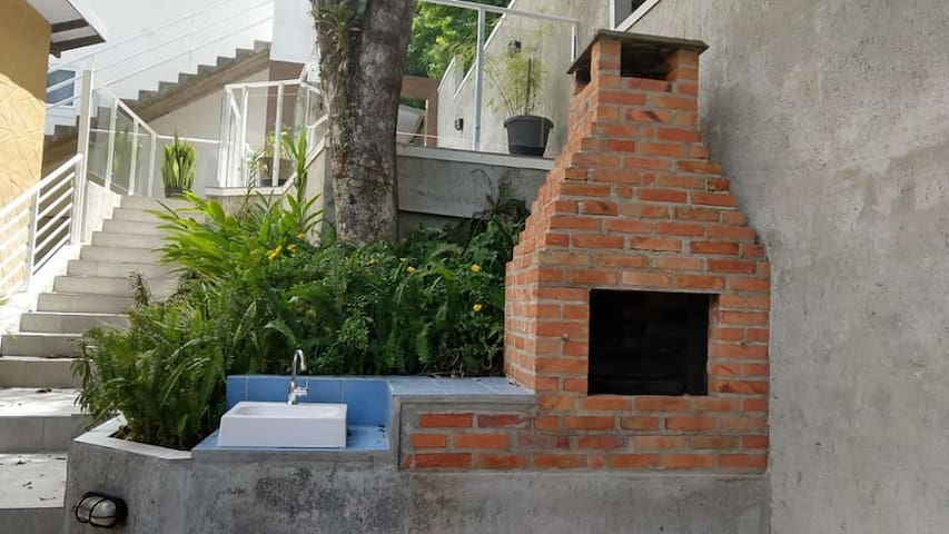 Apartamento  até 3 pessoas praia de Bombinhas (2)