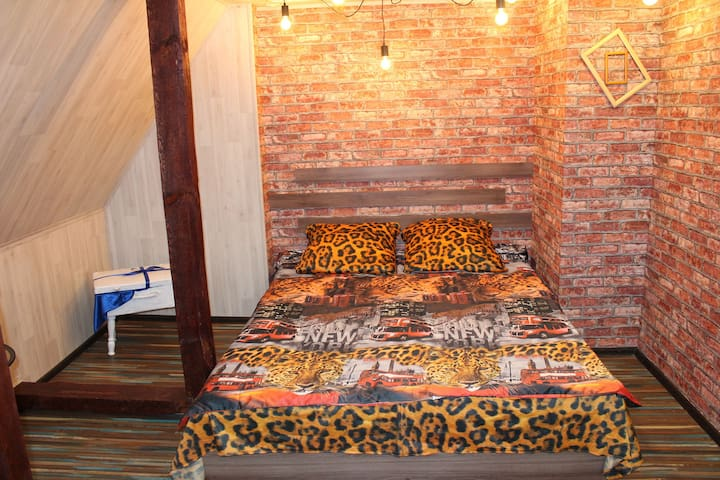 Кровать king-size