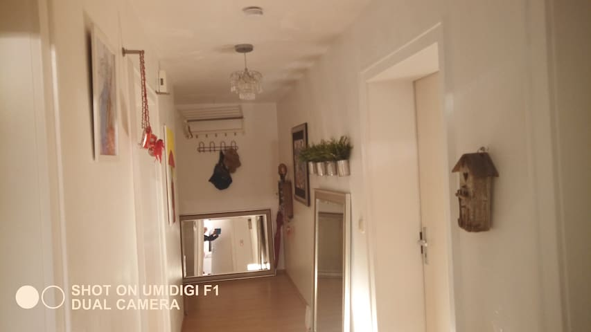 Quiet flat at the S8, 70 m²